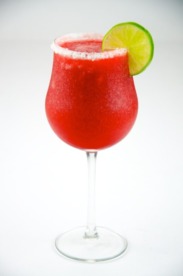 By TheCulinaryGeek from Chicago, USA (Strawberry Daiquiri 416  Uploaded by the wub) [CC-BY-2.0 (http://creativecommons.org/licenses/by/2.0)], via Wikimedia Commons