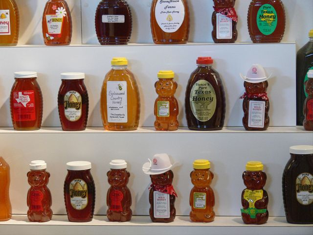 Honey at the Texas State Fair. Photo by Andreas Praefcke, via Wikimedia Commons